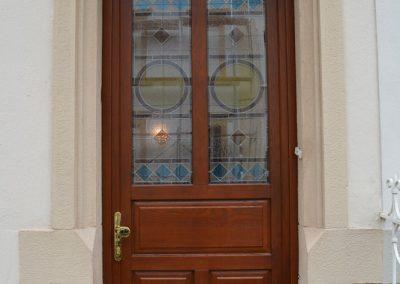 Entry doors (10)