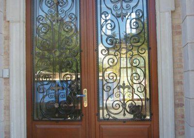 Entry doors (14)