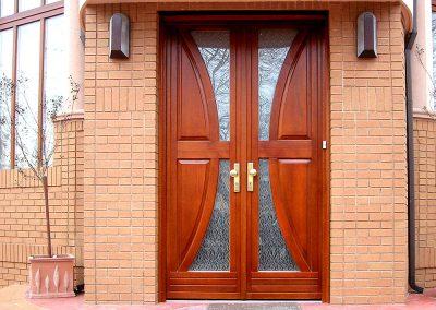 Entry doors (15)