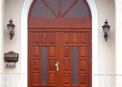 Entry doors (17)